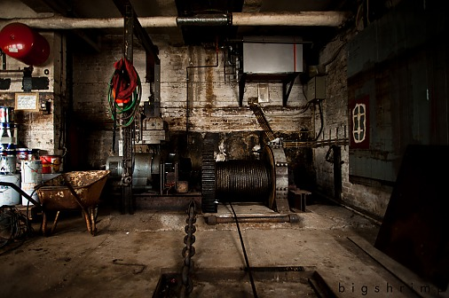 LOCATION # 1596 RUSTIC DOCKYARD IN HAMBURG