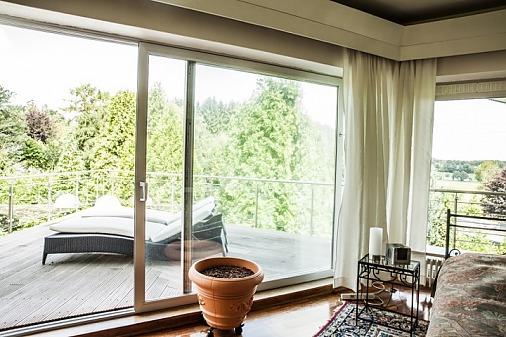 extraordinary villa Hamburg / L1770