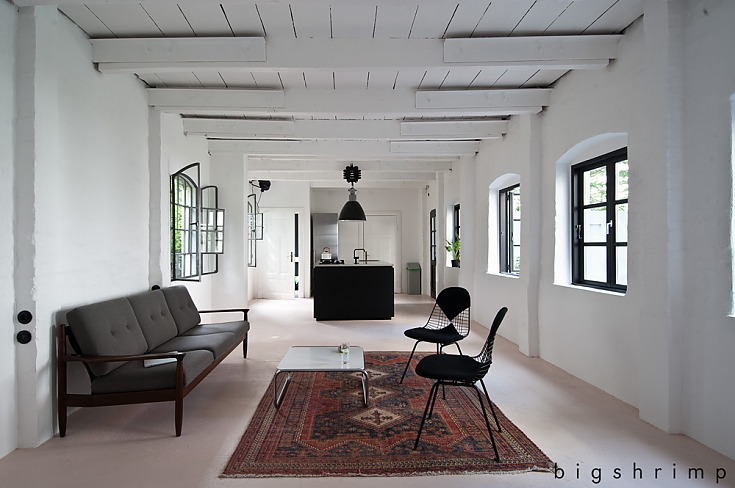 LOCATION # 1590 STYLISH WORKSPACE LOFT
