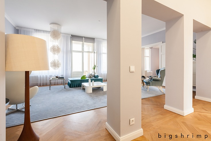 LOCATION #1636 GORGEOUS FLAT IN POTSDAM